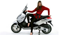 Piaggio X7 125 Silver Scooter Wallpaper